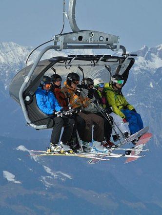 Clubrulaub im Schnee Lift